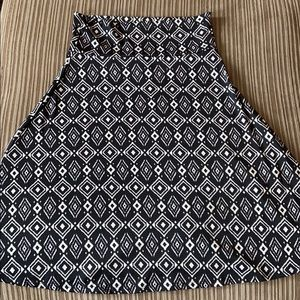 Lularoe LLR Black & White Azure, Medium